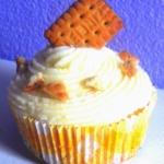 Zweifarbe Cupcakes mit Milchcreme-Frosting