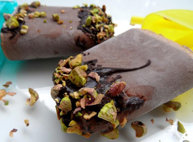 Pistazien-Schoko-Eis mit Crunch und Kinderriegel