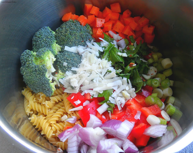 One Pot Pasta - Gemüseallerlei mit Ziegenkäse