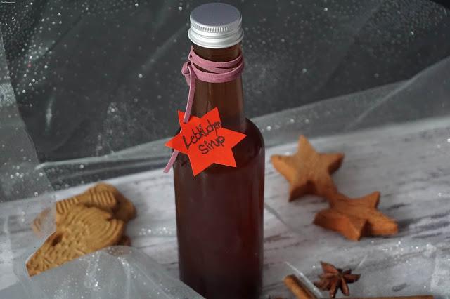 Lebkuchen-Sirup-Latte-warmes-Getränk-Weihnachten