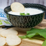 Rice Crackers, Lachaufstrich und Bärlauch Dip {Sponsored}