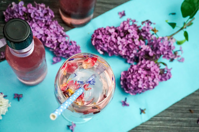 lilac syrup - flieder sirup - sommerzeit- drinks