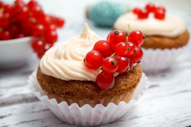 Johannesbeer-Vanille-Cupcakes Jessi's SchlemmerKitchen