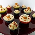 Bier-Schokoladen Cupcakes mit Ahornsirup-Bacon Frosting