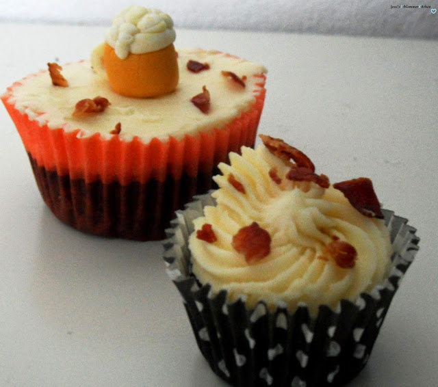 Cupcakes: Bier-Schokoladen-Cupcakes-Ahornsirup-Bacon-Frosting