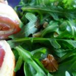 Lachsröllchen mit Pflücksalat
