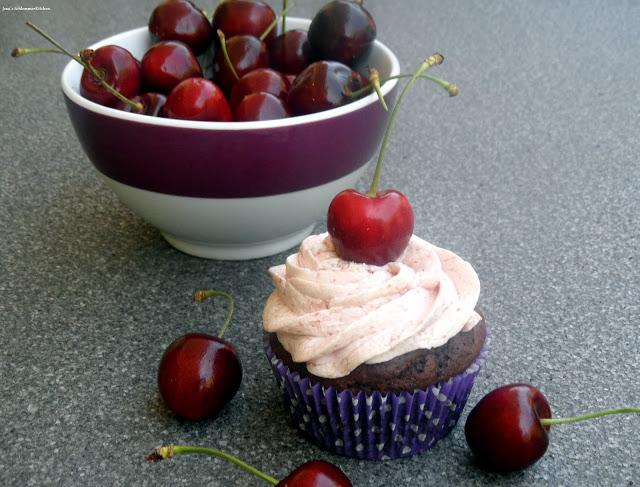 Schoko-Kirsch-Cupcakes