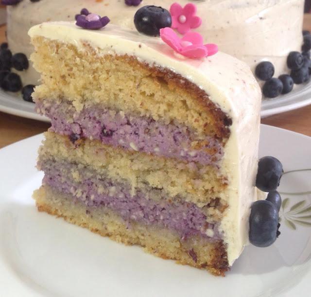 Mandel-Heidelbeeren-Torte