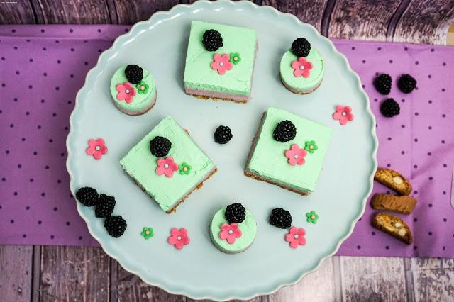 No-Bake-Cake - Frischkäse - Törtchen - Brombeeren - Limette - Cantuccini Boden