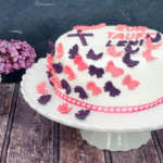 """You're my butterfly…."" – Tauftorte mit Überraschung"