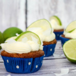 Kokos-Cupcakes mit Limetten-Buttercreme