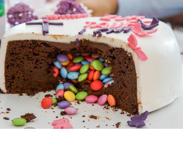 Tauftorte - Mädchen - Schmetterlinge - Motivtorte - Schokoladenkuchen - Smarties Füllung