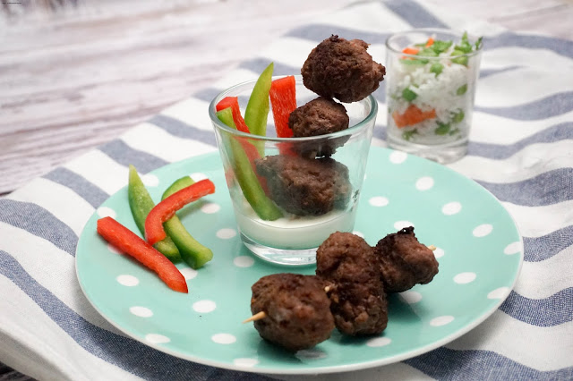 Cevapcici mit Reissalat - Let's cook together 2016 - Sommerparty - Fingerfood im Glas
